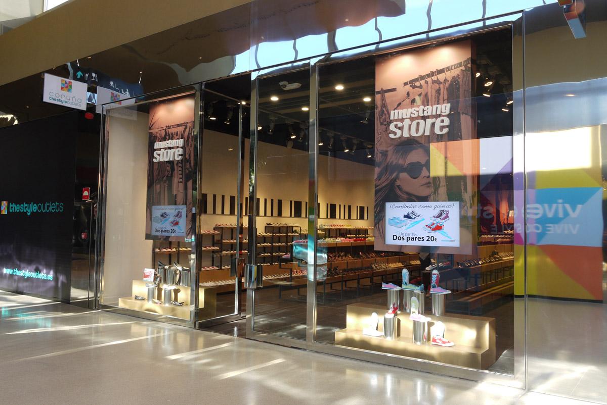 Zapatería Mustang Store / La Coruña